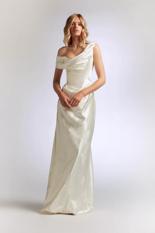 Vivienne Westwood Wedding Dresses By Season Vivienne Westwood Wedding Dress Vivienne Westwood Wedding Vivienne Westwood Bridal [ 1500 x 1000 Pixel ]