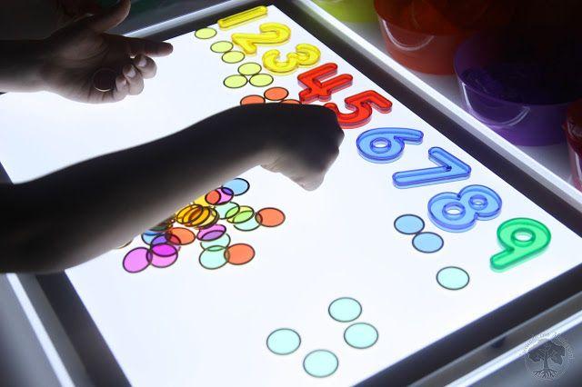 Par Impar En La Mesa De Luz Mesas De Luz Mesa De Luz Montessori Luces