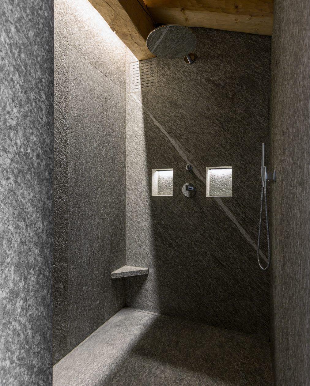 Grossformatige Wandplatten für Dusche im Natursteinbad   Naturstein bad, Bad, Natursteine