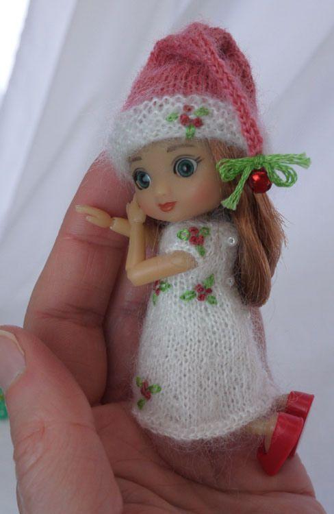 tiny christmas cutie teeny tiny 4 wilde imagination s izzy doll rh pinterest com