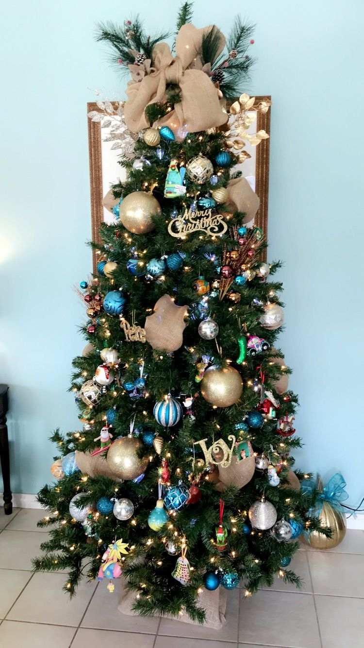 My Teal And Gold Christmas Tree W Burlap Teal Christmas Tree Christmas Tree Flowers Teal Christmas