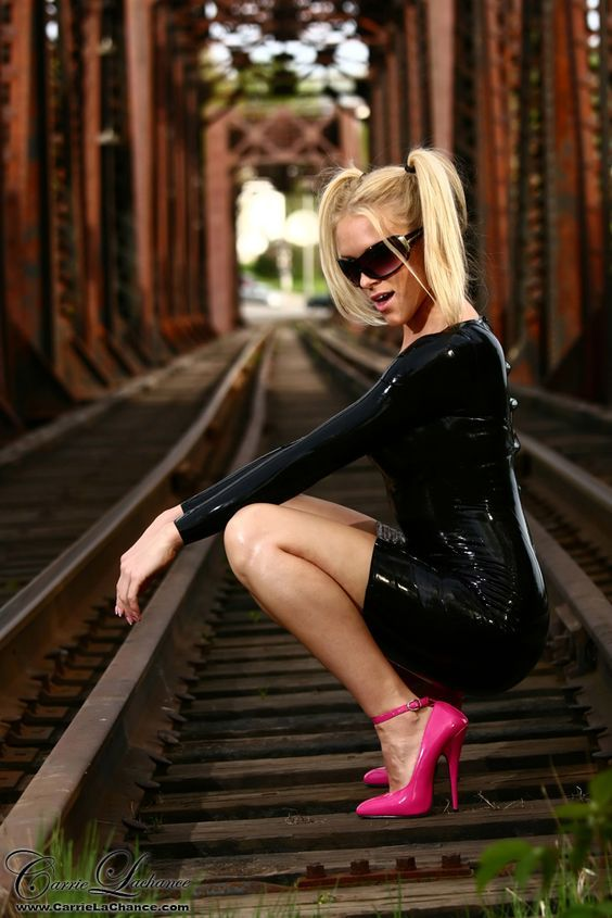 1d1e2556ae1 carrie lachance in high heels - Yahoo Image Search Results
