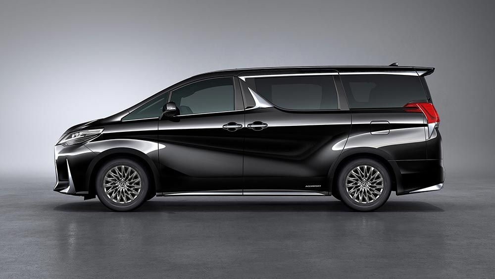 Lexus Lm Breaks Cover As Ultra Luxurious Minivan For China Other Asian Markets Carscoops Mini Van Lexus Luxury Van