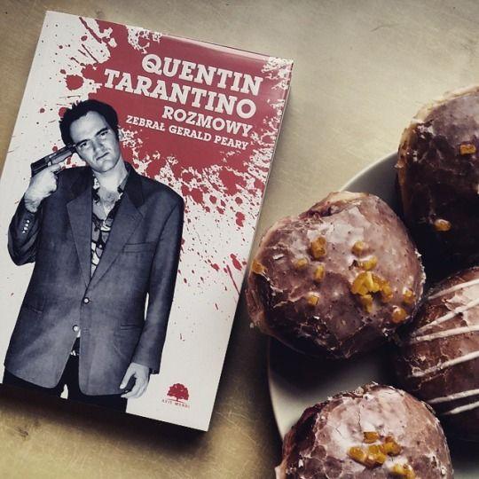 Dzisiaj na tłusto! :D #mbpsopot #bibliotekasopocka #pączki #tarantino #book #quentintarantino #sweet