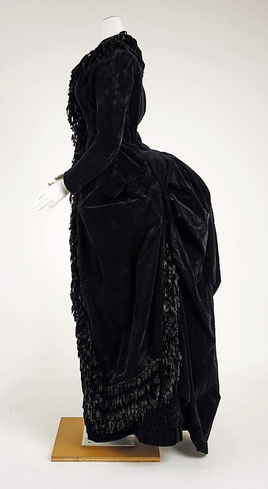 1885 silk walking ensemble.