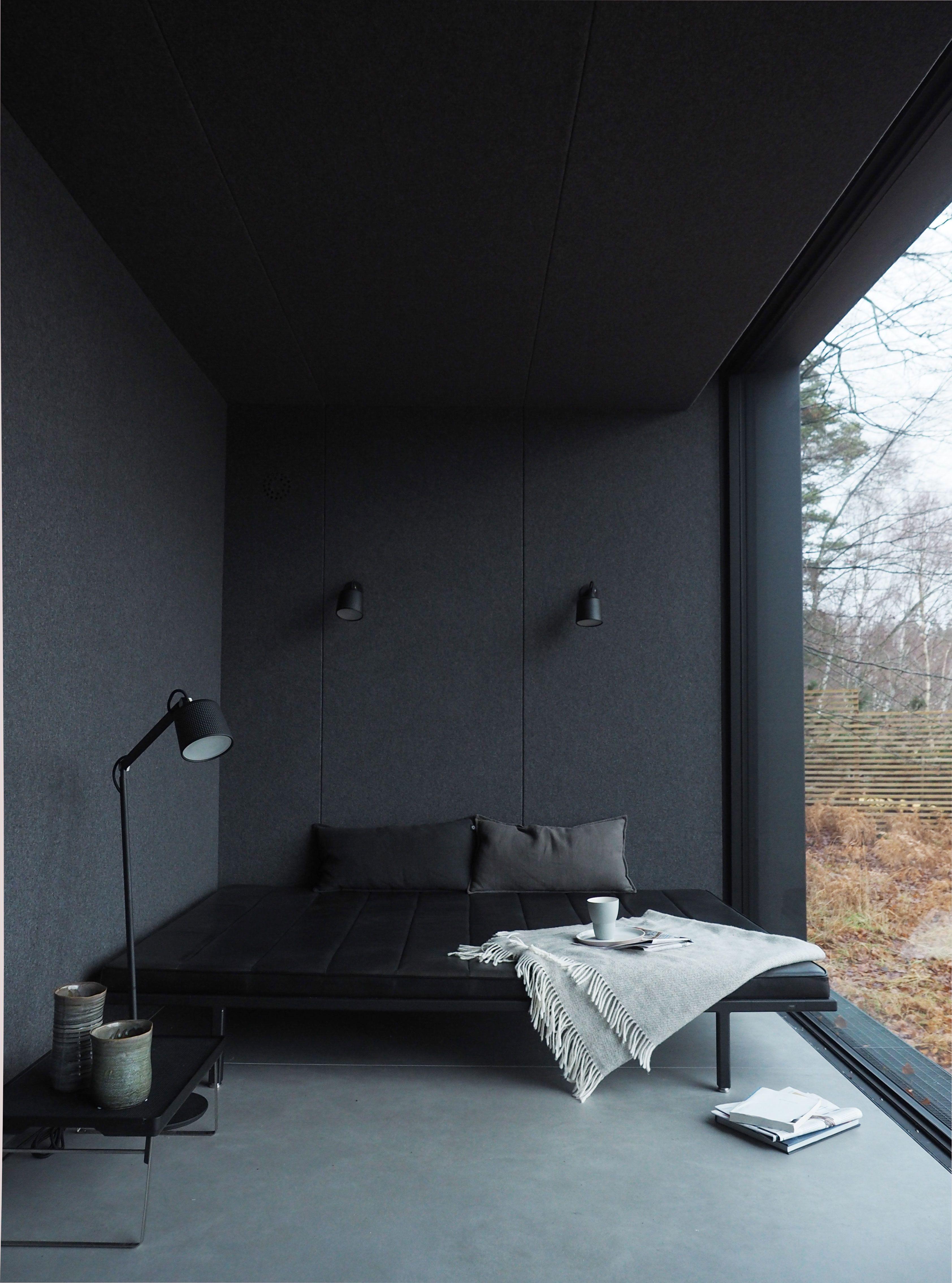 Best An Inspiring Black Apartment In Kiev Deco Minimaliste 400 x 300