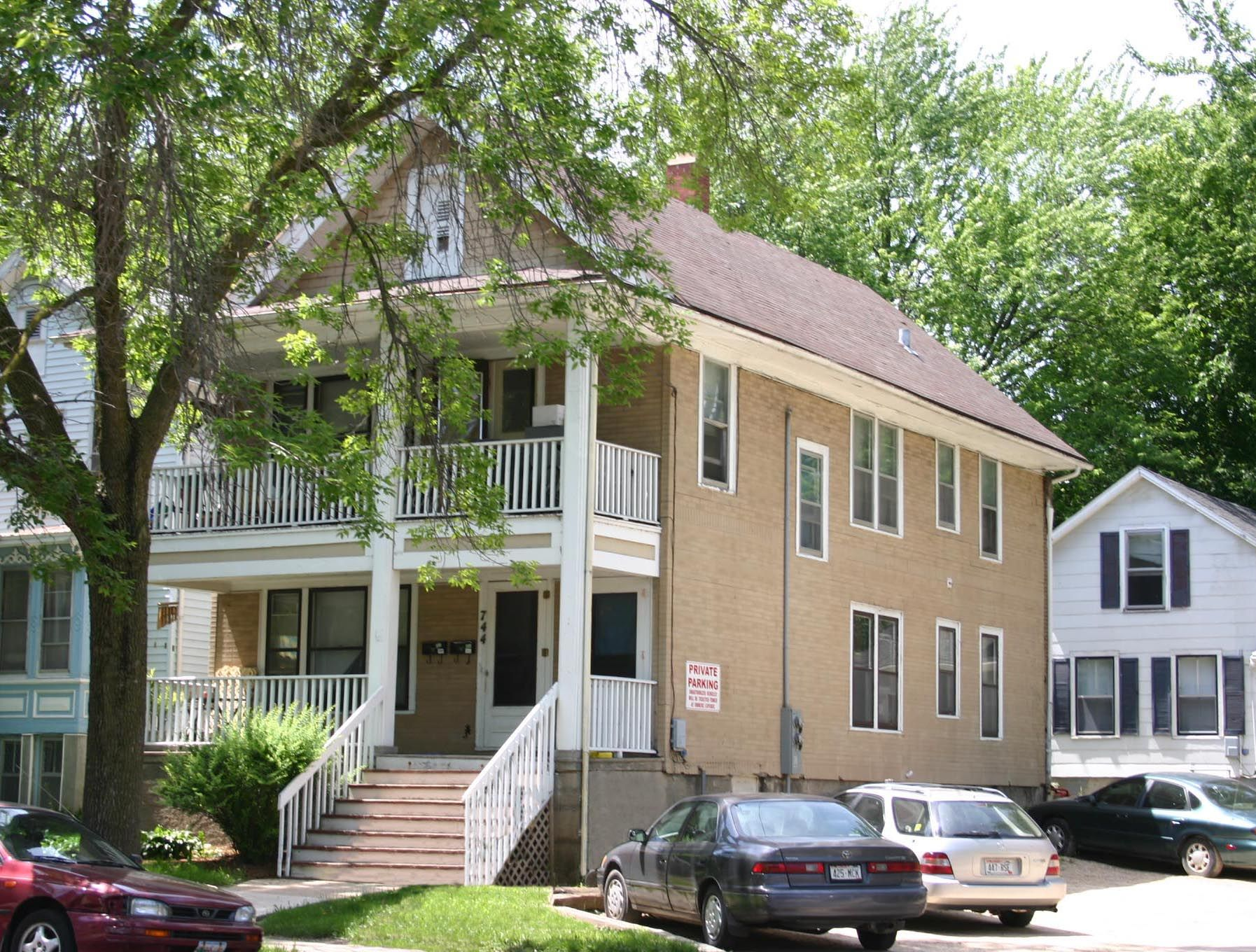 Sublet Available Feb 15, 2020 Aug 14, 2020! 744 E