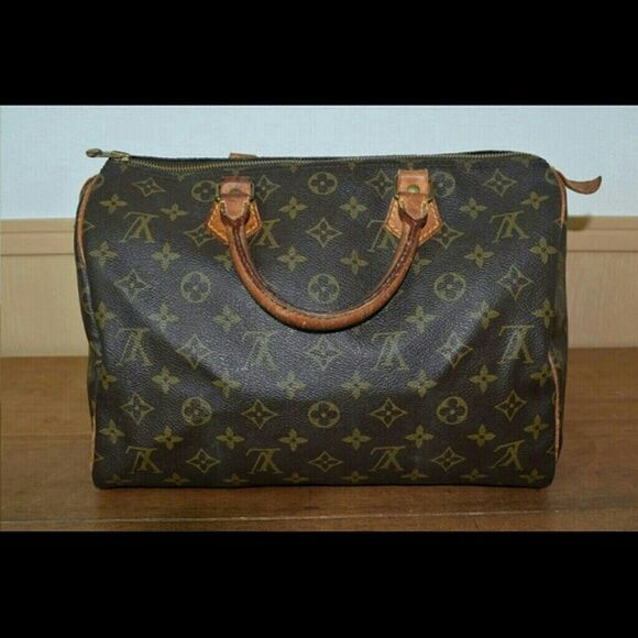 SALE! Authentic Louis Vuitton Speedy 30 SALE ENDS TOMORROW AT MIDNIGHT!!!!!   Starting asking price WAS:$400  SALE:$250  Pre owned....100% Authentic Louis Vuitton Speedy 30 Handbag ....Offers must be made by clicking the offer button....I will reply to offers made in the comment section.....No trades.....Thanks for looking Poshers Louis Vuitton Bags Shoulder Bags