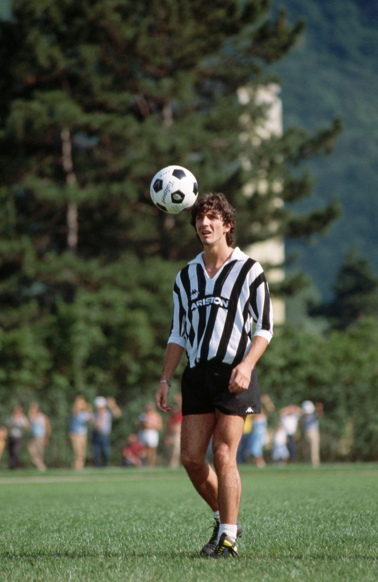 Paolo Rossi alla Juve calcio Pinterest