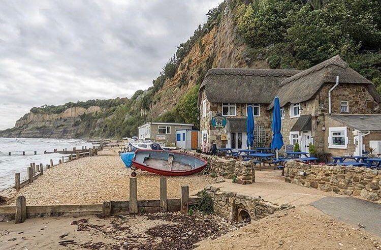 dating Isle of Wight hvor lenge bør du være dating før du sier jeg elsker deg