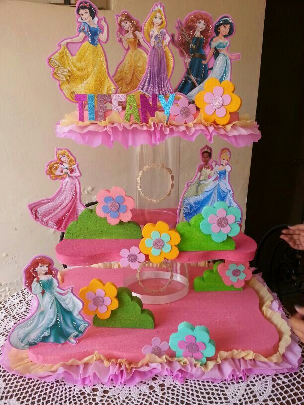 Chupetero princesas | Birthday Party Centerpieces | Pinterest
