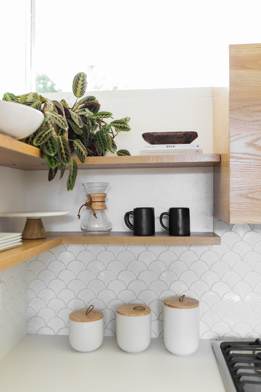 White Scallop Fan Backsplash Tile Design Shop Interiors Kitchen Splashback Tiles White Kitchen Splashback Kitchen Tiles Design