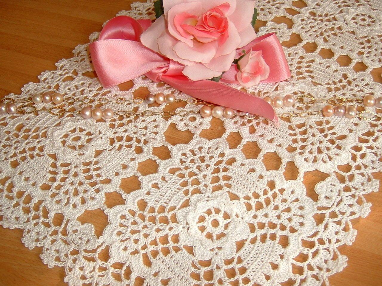 Tappeto Alluncinetto Rettangolare : Tovaglietta rettangolare eseguita a mano all uncinetto in cotone