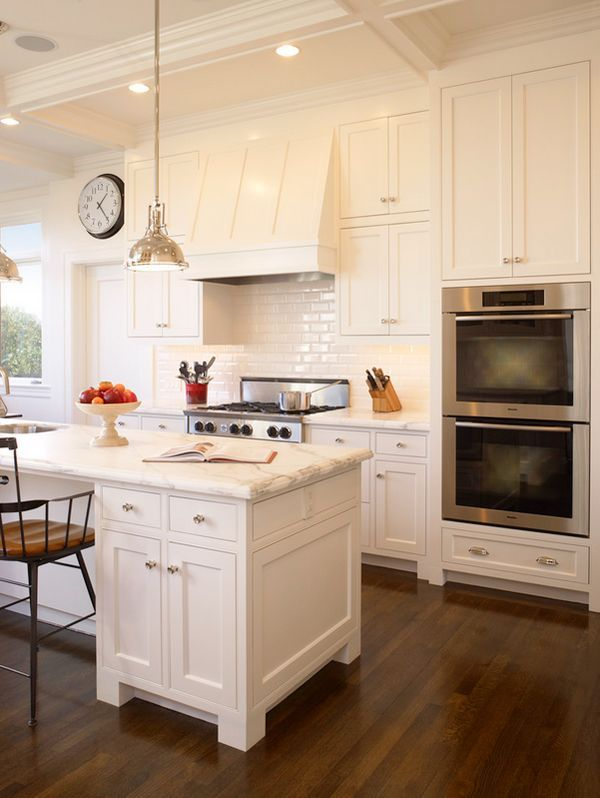 30 Spectacular White Kitchens With Dark Wood Floors Page 26 Of 30 Kitchen Inspirations Kitchen Style Classic Kitchens