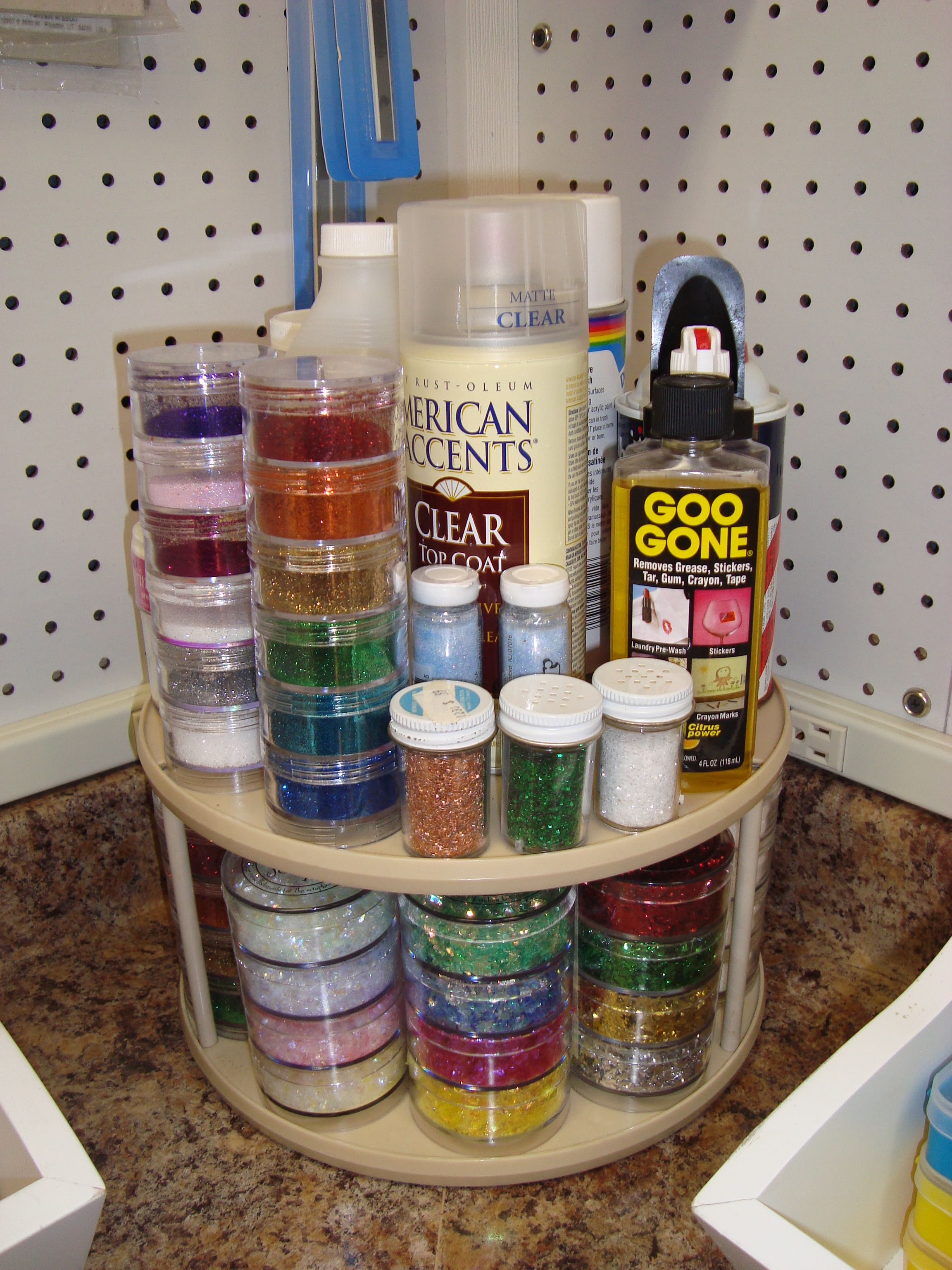 Dink's Craft Studio, Glitter/Micro Bead Station - Scrapbook.com