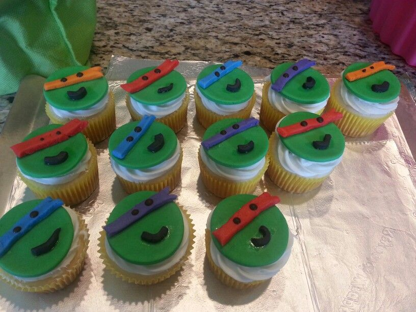 #tmnt cupcakes.  Made mostly of fondant.