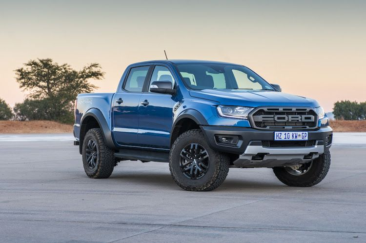 Mega Shoot Out 2019 Ford Ranger Raptor Vs Vw Amarok Vs Mercedes