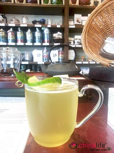 chinalife My Way Or The Thai Way - Delicious Osmanthus scented Oolong tea blended with fragrant lomongrass, mint and lime.