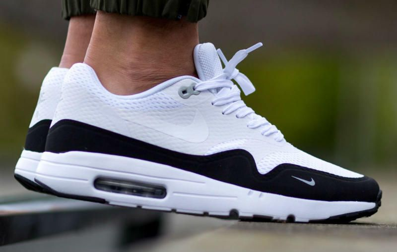 air max essential 1