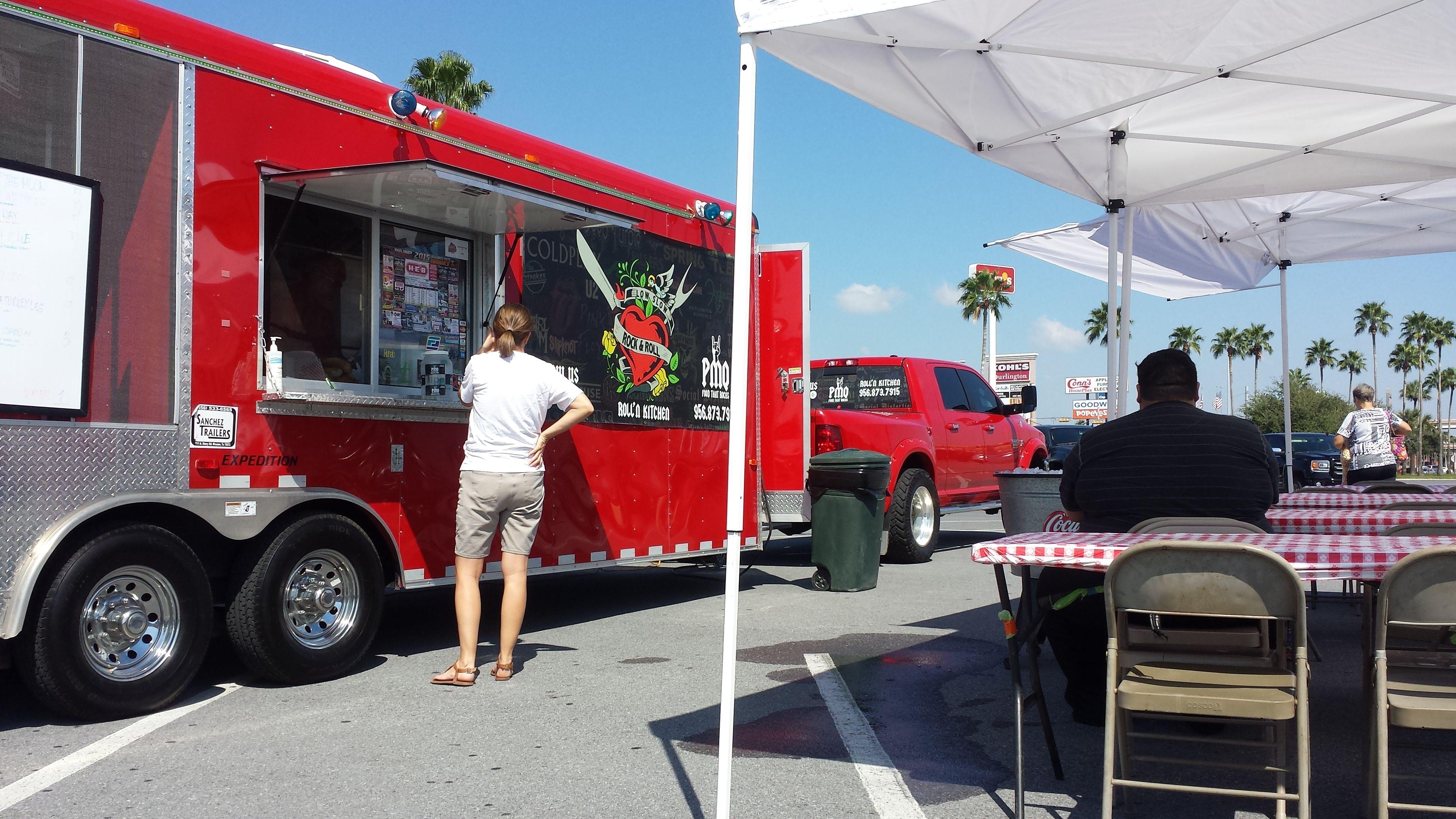 Rockn n Rolln @ Valle Vista Mall Food Park!             #geturfix  #foodthatrocks