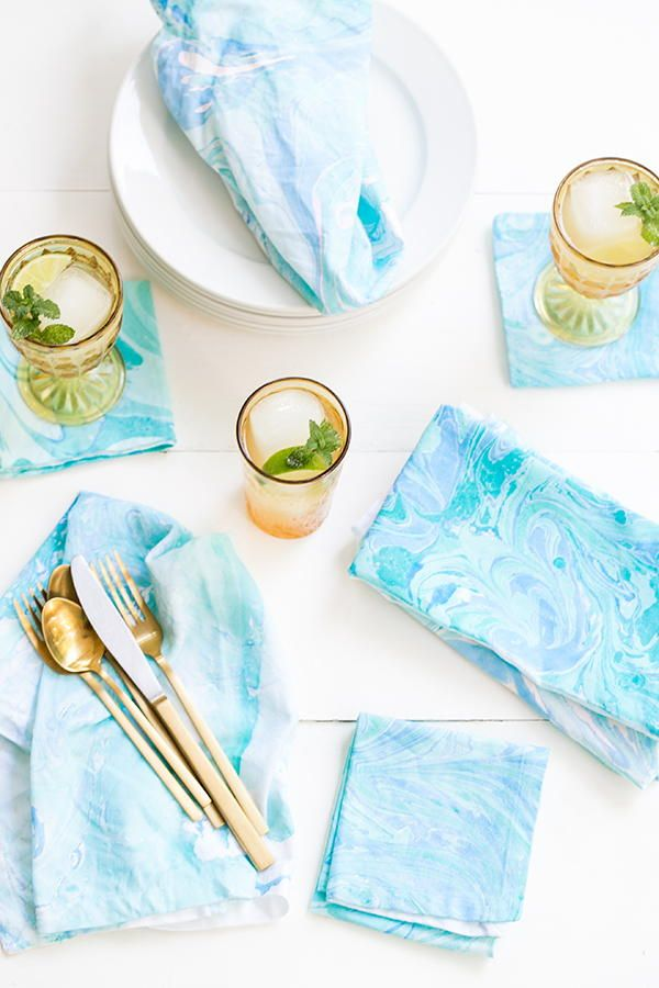 Marbled Napkins In 2020 Diy Fabric Diy Fabric Crafts Marbling Fabric