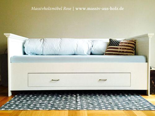 weißes Bett mit Lehne aus Holz amerikanisches Landhaus | www.massiv ...