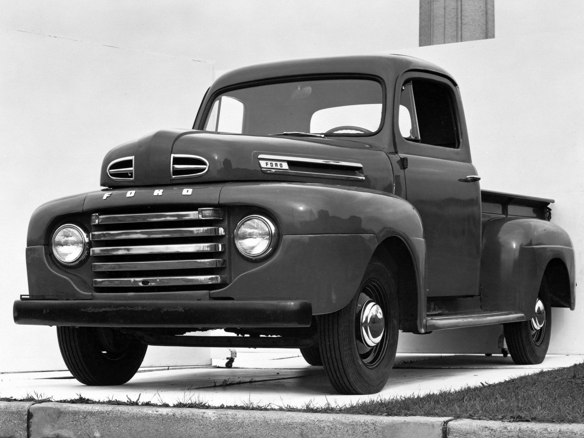 1948 Ford F 1 Pickup Truck Retro Wallpaper 2048x1536 104780 Wallpaperup Vintage Pickup Trucks Ford Pickup Trucks Pickup Trucks