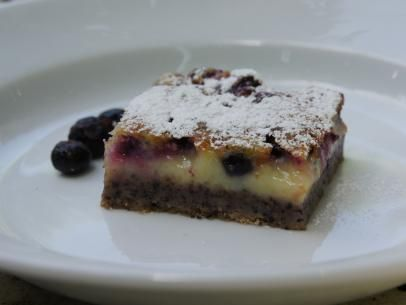 Lemon Blueberry Cheesecake Bars #lemonblueberrycheesecake