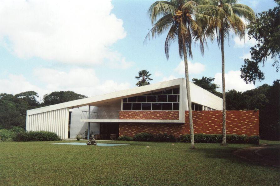 Torquato De casa de torquato de castro arquiteto heitor maia 1954 arq