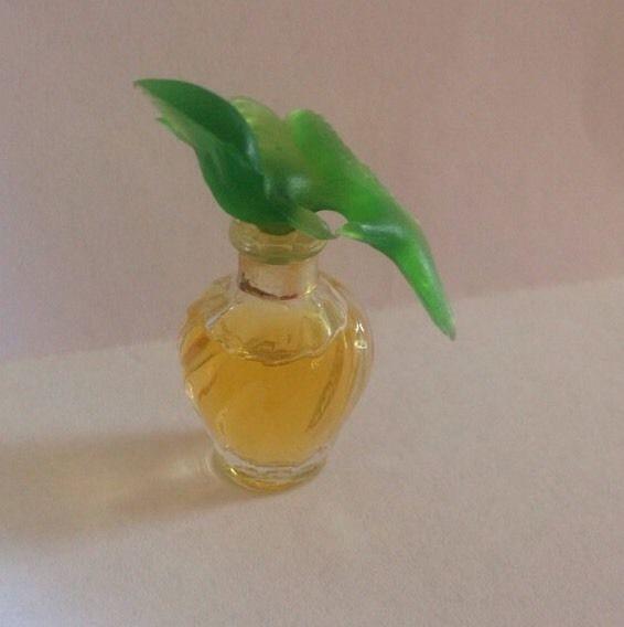 Rare Nina Ricci Perfume Bottle Design