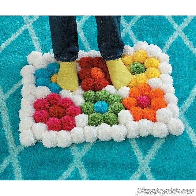ponpon paspas modelleri 2016 14 deas deen fikirler pom pom rug pom pom crafts und. Black Bedroom Furniture Sets. Home Design Ideas