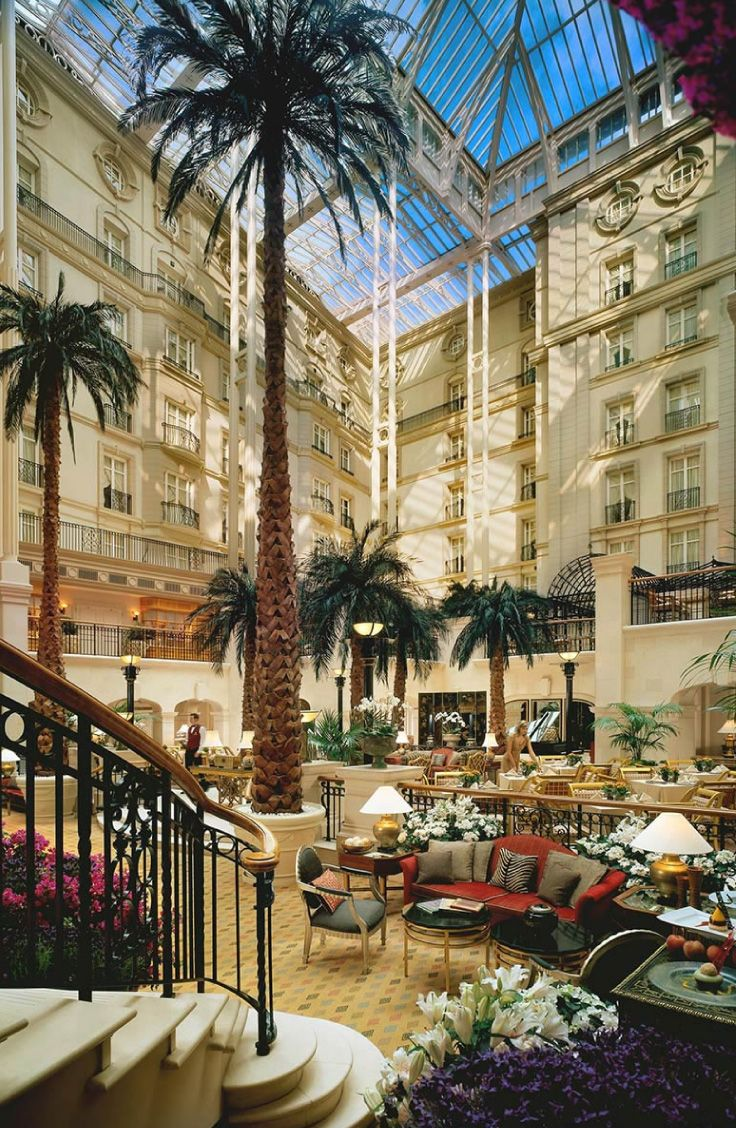 The Winter Garden at the 5 star Landmark Hotel in London. Situated ...