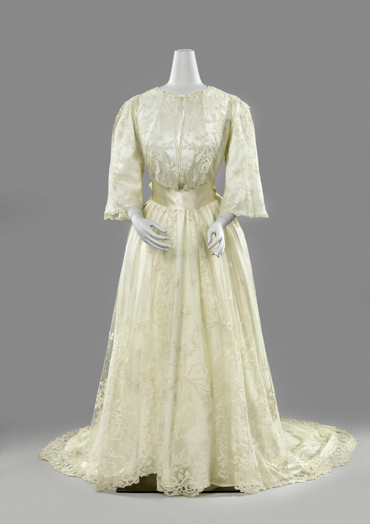 Fashions From History Wedding Dress c.1889-1892 This wedding dress ...