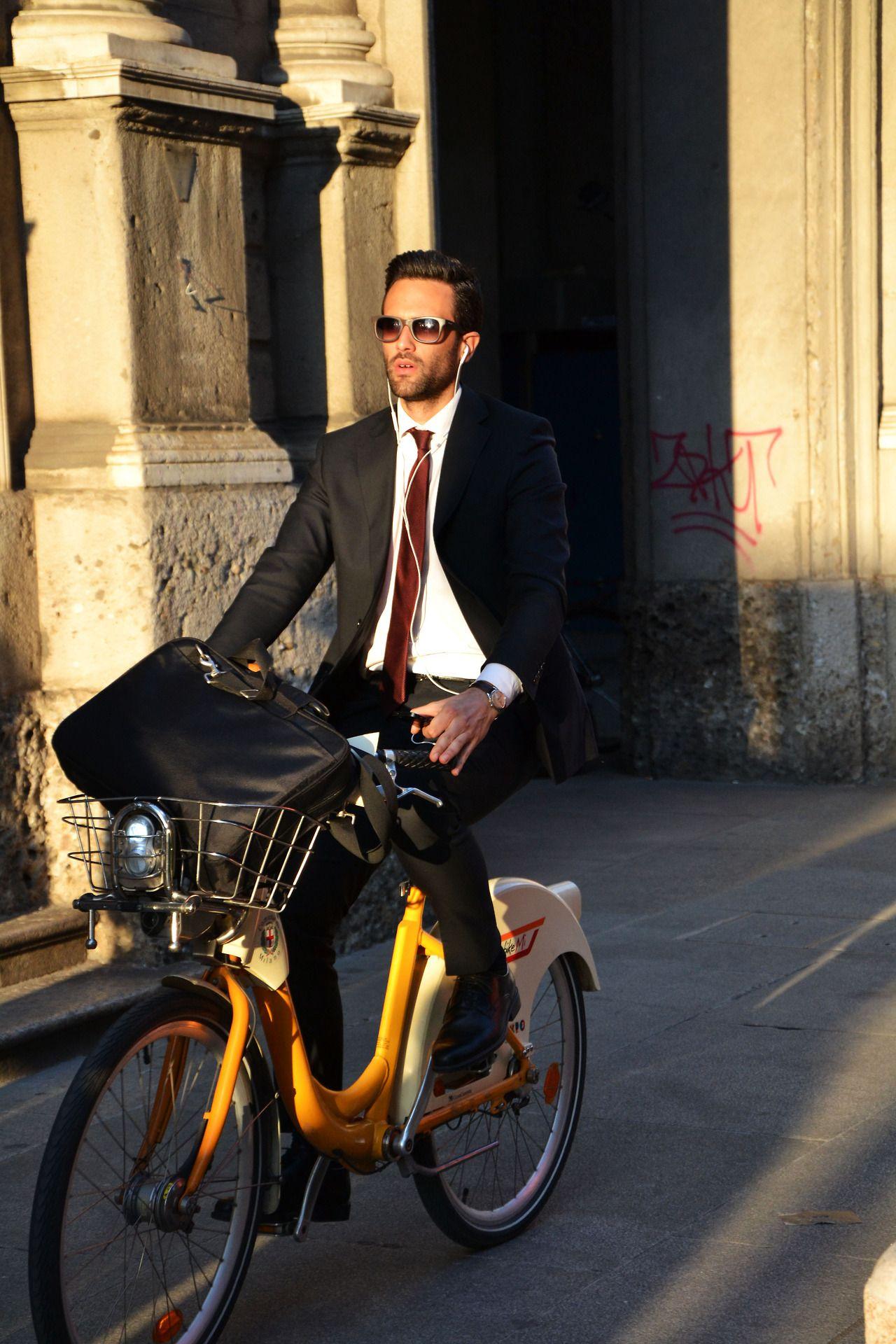 Bicicleta amarela & fato.