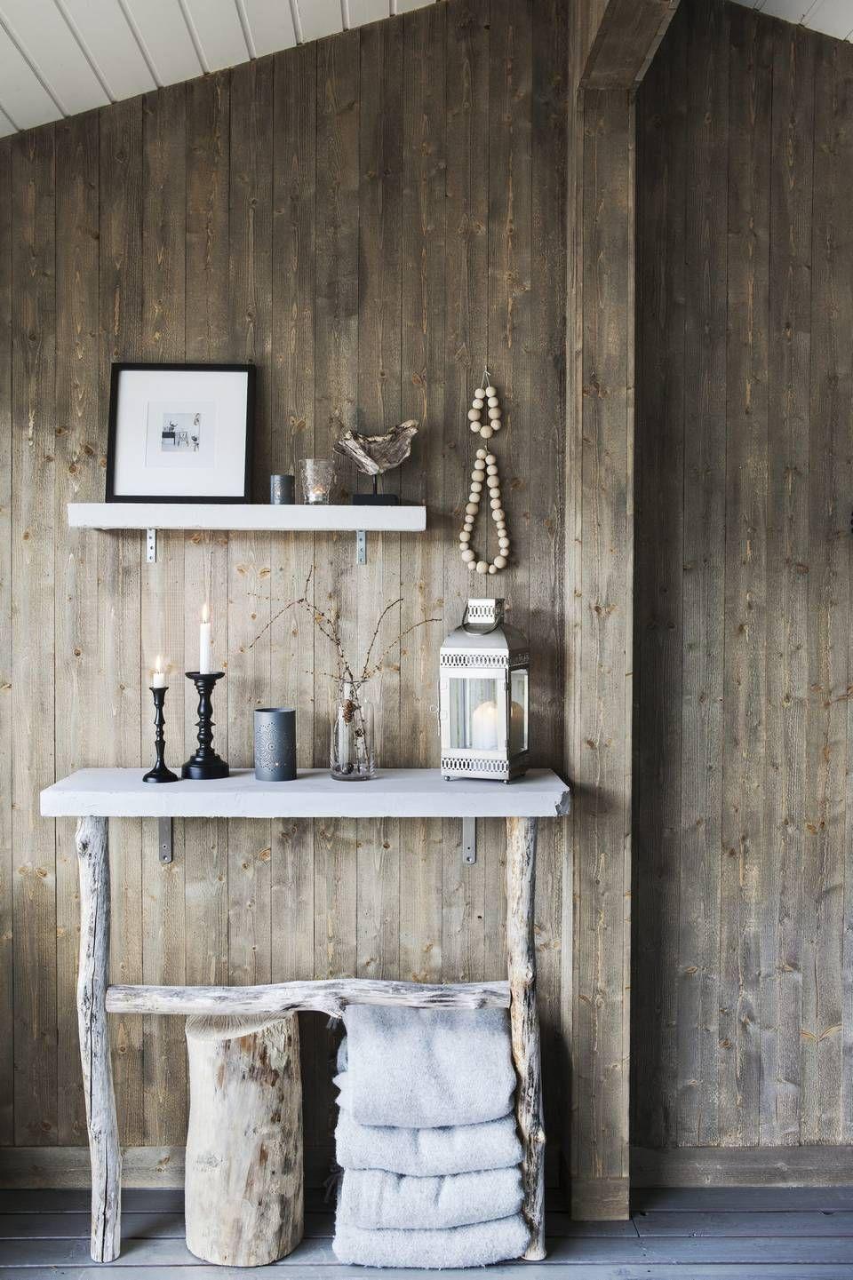 La Plinthe Du Mur mur en planches de bois in 2020 | wood home decor