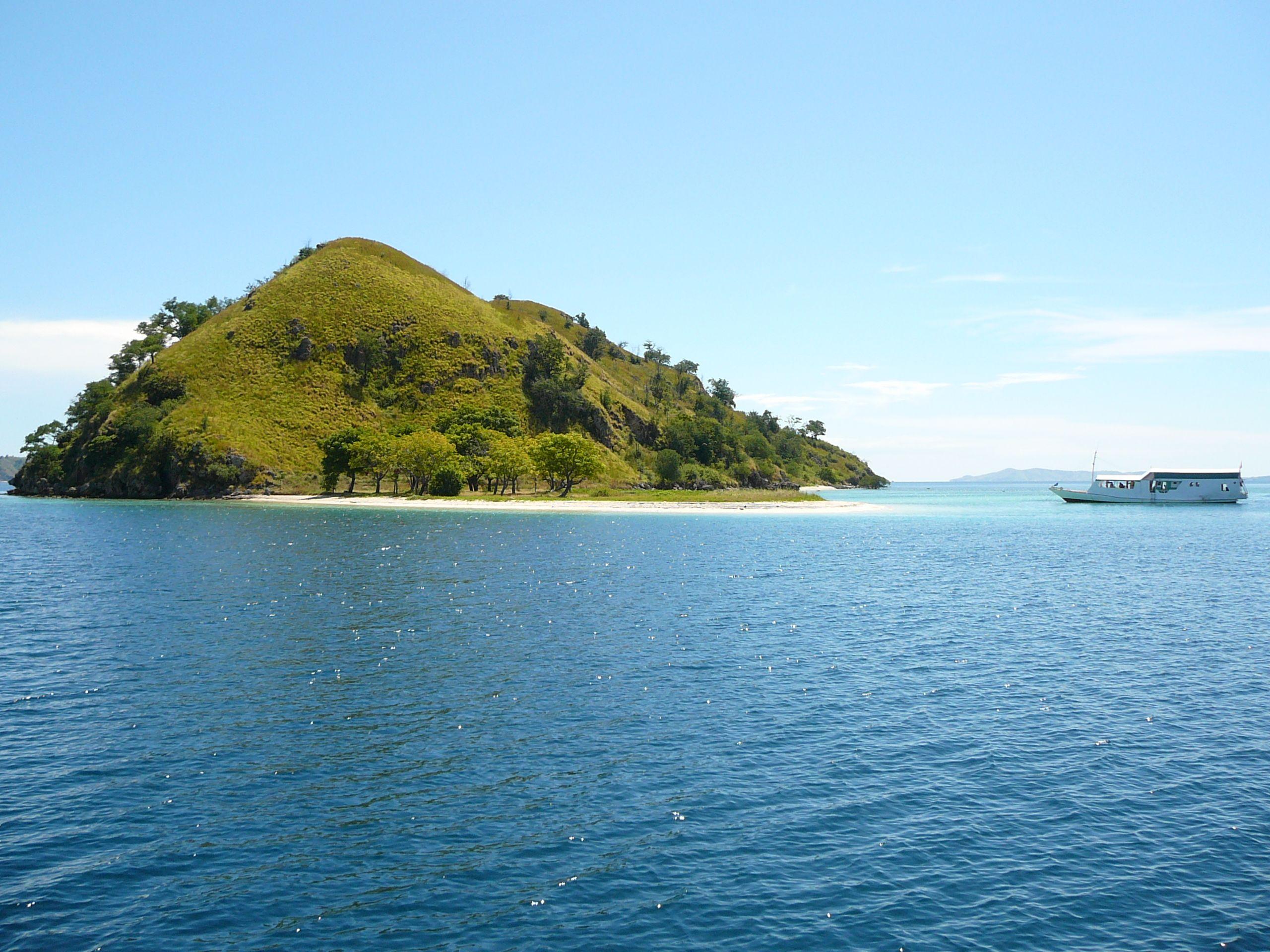 Kelor Island Flores Indonesia Travel Places Pinterest Beach Fiesta  Ke Bali Dan Lombok