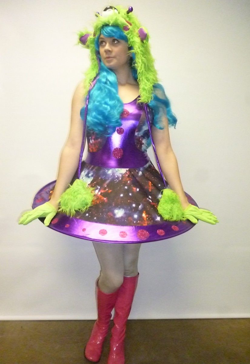 Alien girl costume alien girl and costumes for Outer space outfit