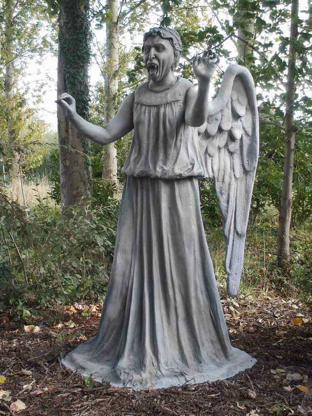 Attrayant Weeping Angel. Is It Bad That I Want One Of These In My Garden When I Get  My Own House?? Then Again, I Would Probably Never Sleep.