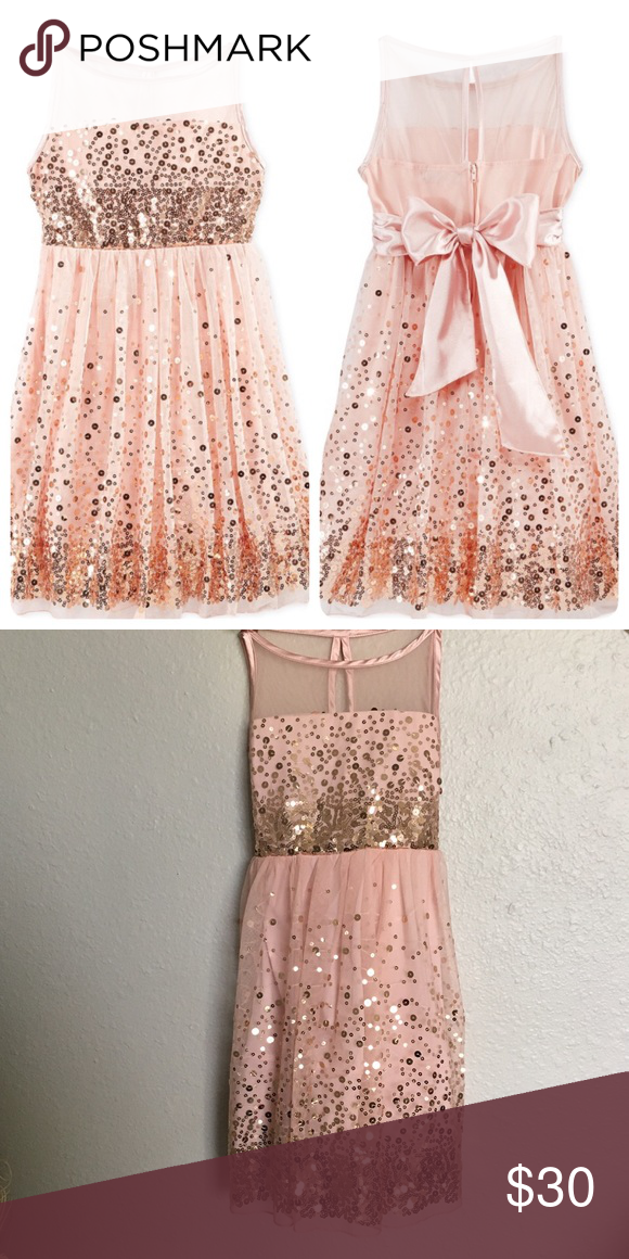 Beautiful sequin dress GIRLS Beautiful sequin dress size 10 this dress is perfect for holidays. This dress is still at Macy's website on sale will be about 58+ tax Dresses Formal