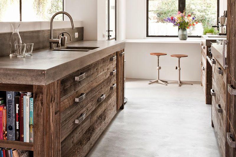 Drewno Z Odzysku Z Kuchni Fronty Ze Starego Drewna Reclaimed Wood Kitchen Wood Kitchen Cabinets Modern Country Kitchens