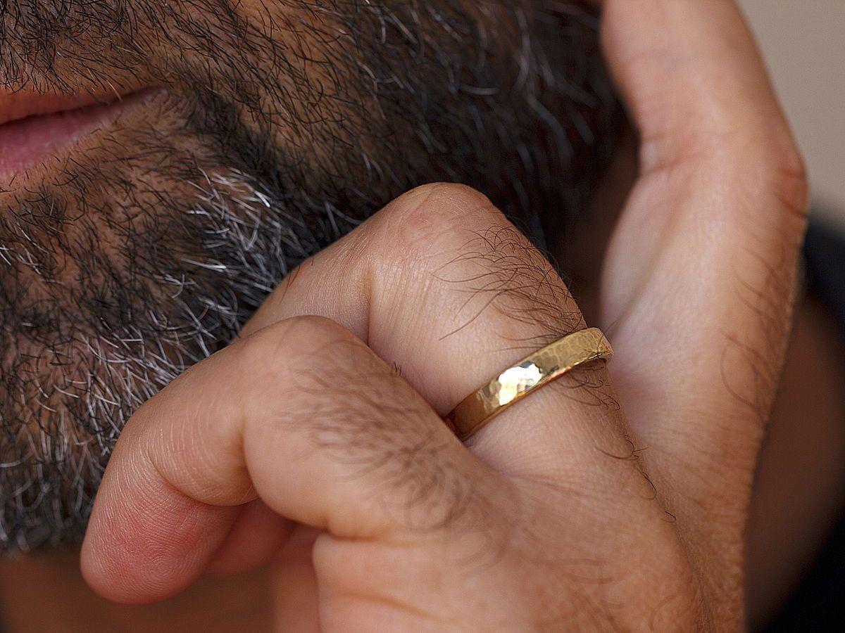Hammered Wedding Ring Set