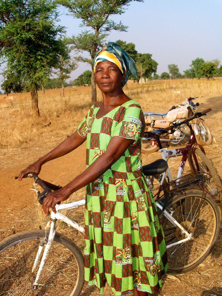 Ghana 2 It Happens Again And Again How Bicycles Help People