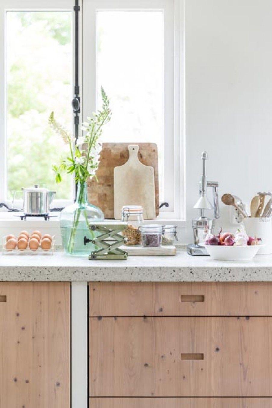 Küchenfronten aus Massivholz und Granit Arbeitsplatte für die Küche ...