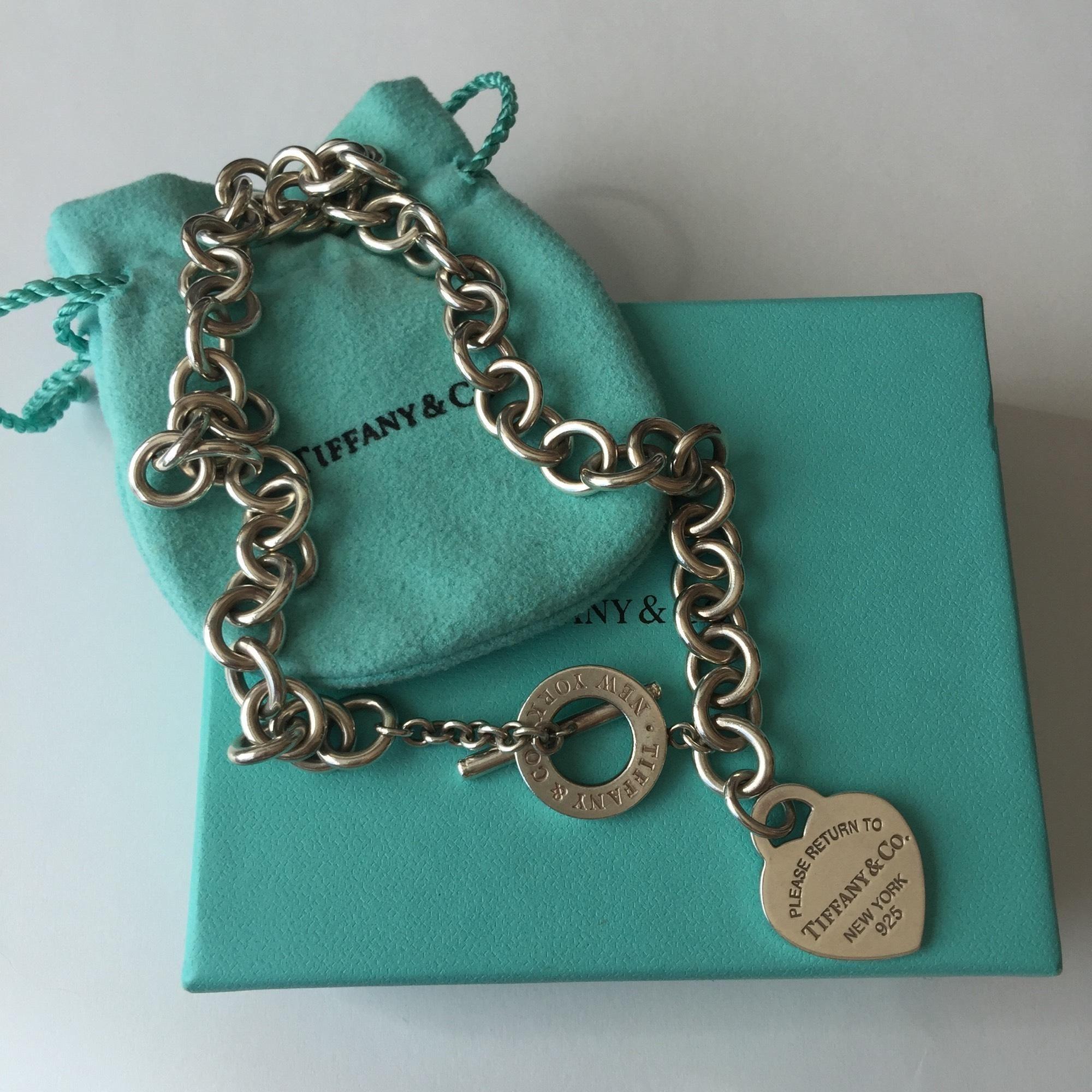 8d6d4020a Free shipping and guaranteed authenticity on NEW VERSION MODEL Return to  Tiffany & Co Silver Toggle Heart Tag Necklace FULL PACKAGING! at Tradesy.