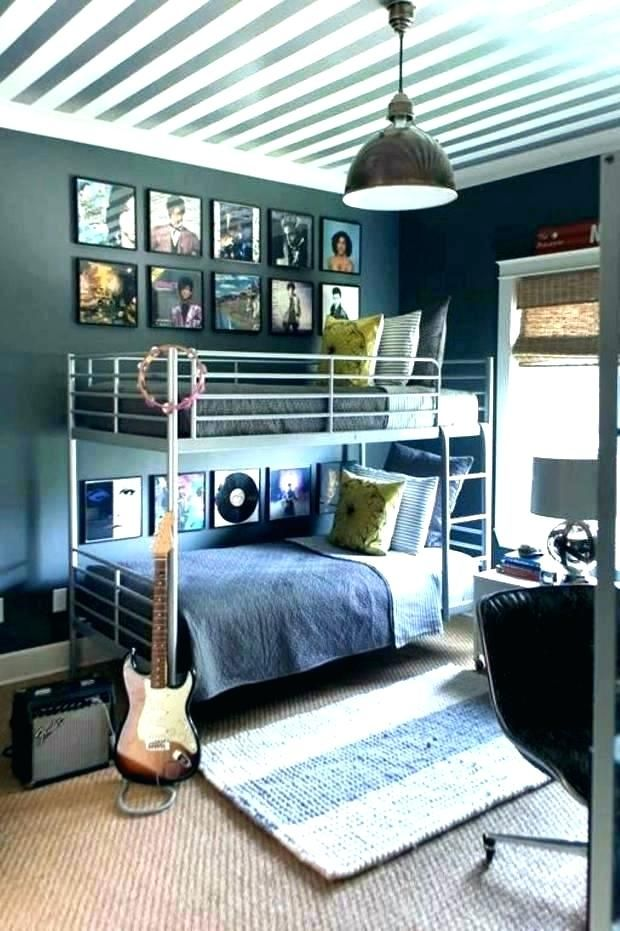 Cool Room Designs For Guys: Pin By Erica Elleby On Tee's Dorm Inspiration