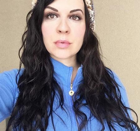 سيرة نينا كوبريانوفا Celebrities Nose Ring Fashion