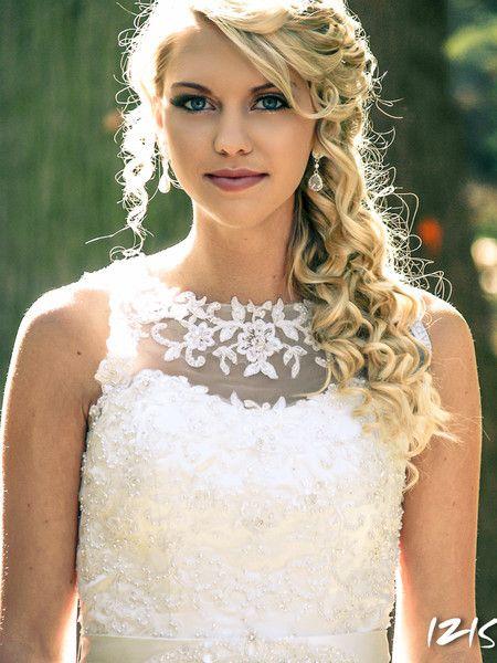 See Bridal Beauty Associates Llc On Weddingwire Curly Wedding