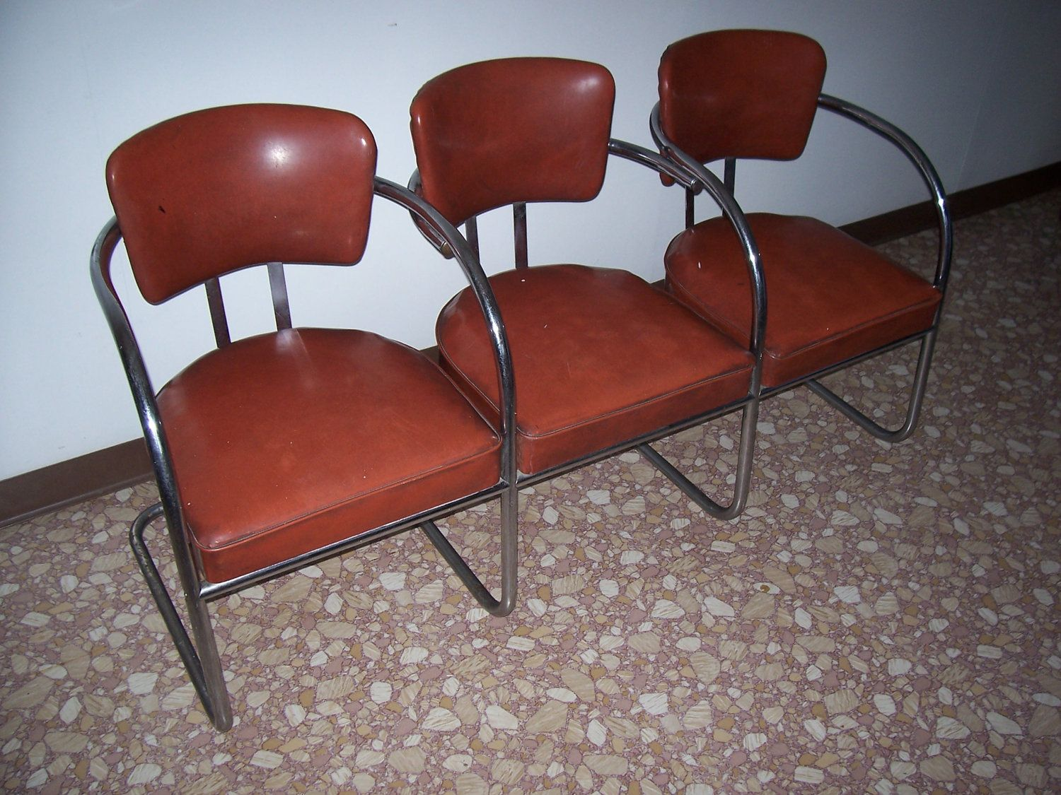 Vintage Set Of Waiting Room Chrome Metal Tubular Chairs 1950s Barber Shop Style 100 00 Vi Fabric Dining Chairs Barber Chair Vintage Swivel Chair Living Room