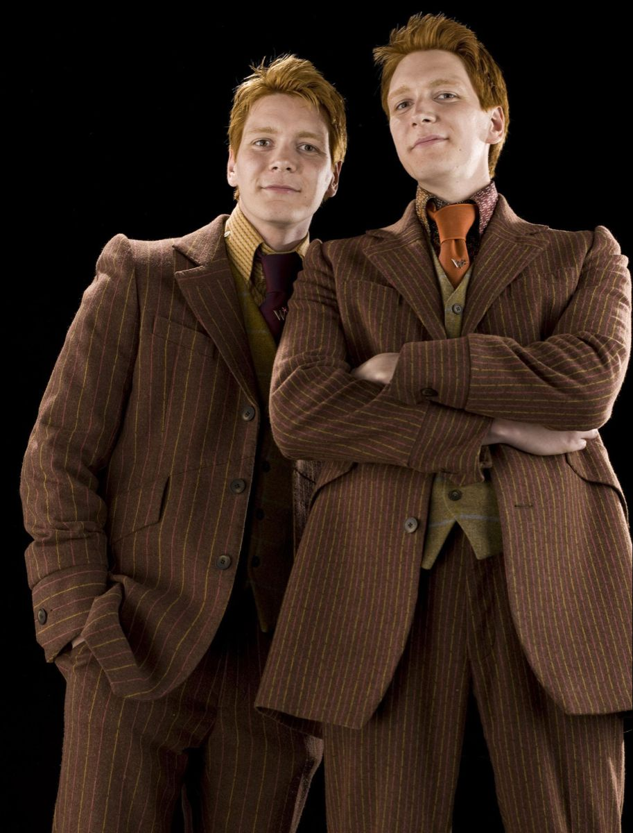 Pin By Camila On Harry Poter Fred And George Weasley George Weasley Harry Potter Stories