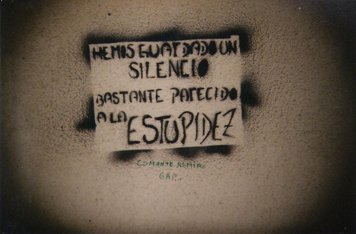 mensajes a la pared, Valparaíso - Natalia Godoy M